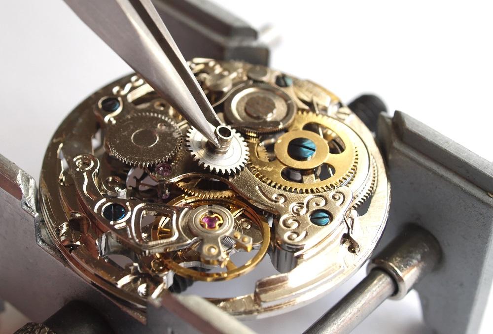 Typy strojků v hodinkách